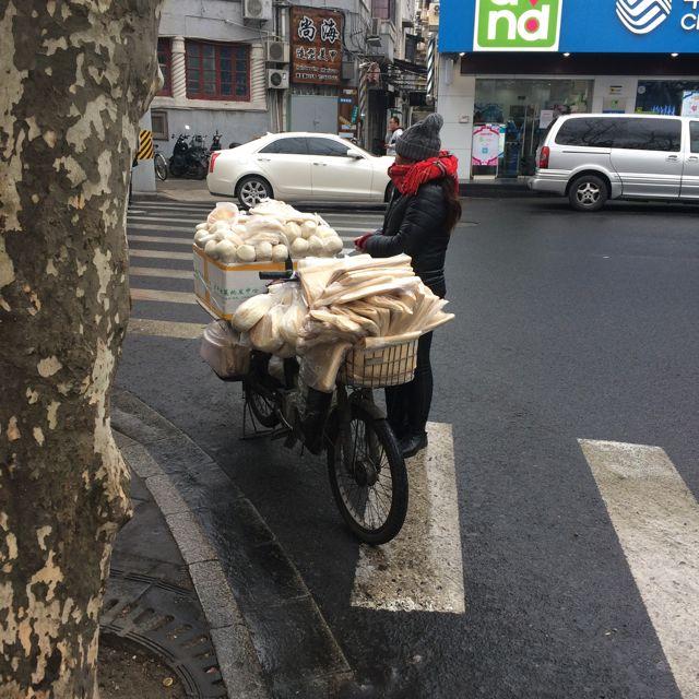 Brotverkäuferin